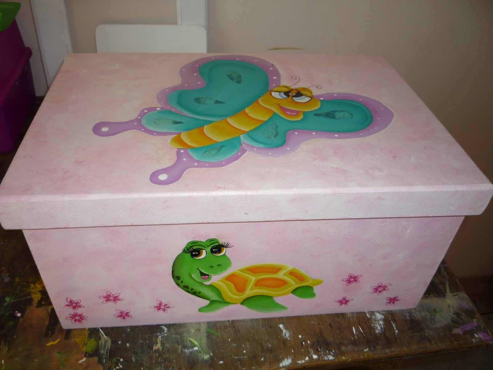 Cajas decoradas infantiles imagui for Caja almacenaje infantil