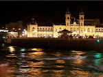Vista nocturna del Ayuntamiento de San Sebastian