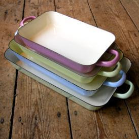 Pastel rectangle baking dishes