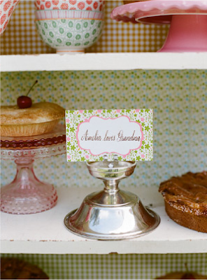 Vintage Chic Wedding by Daisy Pink Cupcake