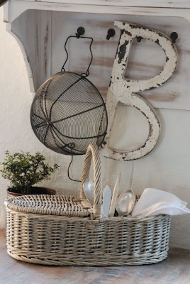 Cutlery basket by Jeanne d'Arc Living