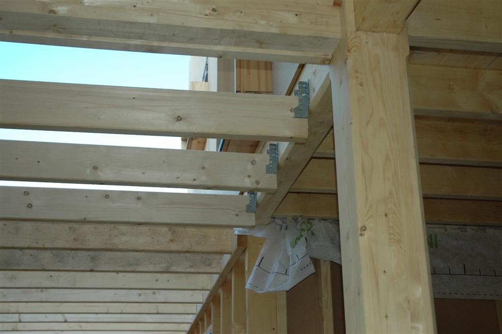maison bioclimatique ossature bois montchanin la structure de la terrase et du balcon. Black Bedroom Furniture Sets. Home Design Ideas