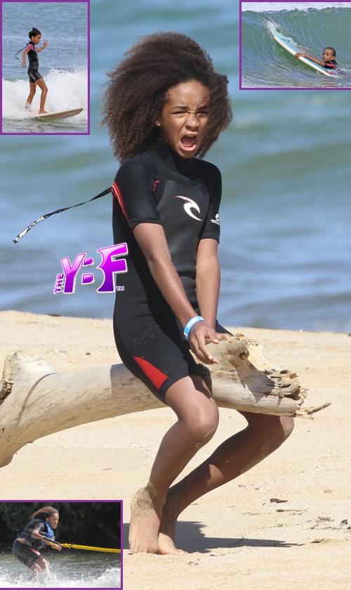 Willow Smith in Bikini on the Beach in Hawaii Pic 7 of 35