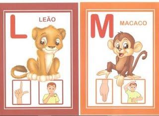 lm 6 modelos de alfabeto em Libras: 1 é só copiar e 5 para DOWLOAD. para crianças