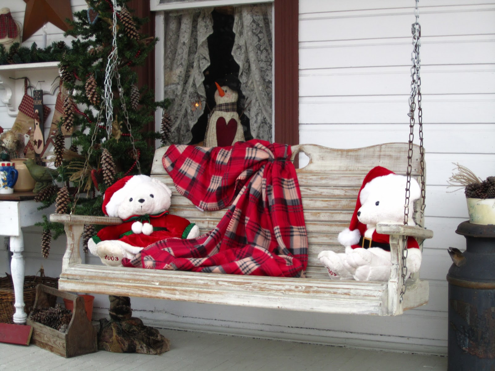 Suesjunktreasures rustic country christmas on my front for Country cabin christmas