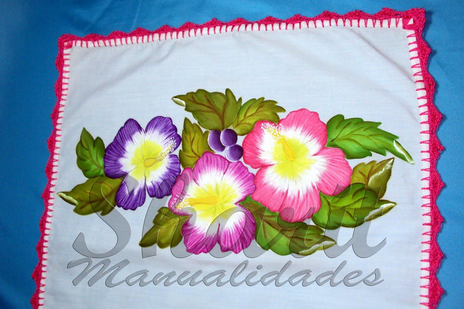 Camino de Mesa Pintado en Tela con acabados en crochet de 35 x 70 cm