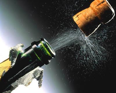 lanzamiento de un corcho de champán launch of a champagne cork