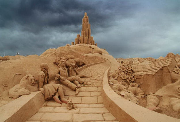Cool Sand Art Seen On www.coolpicturegallery.net