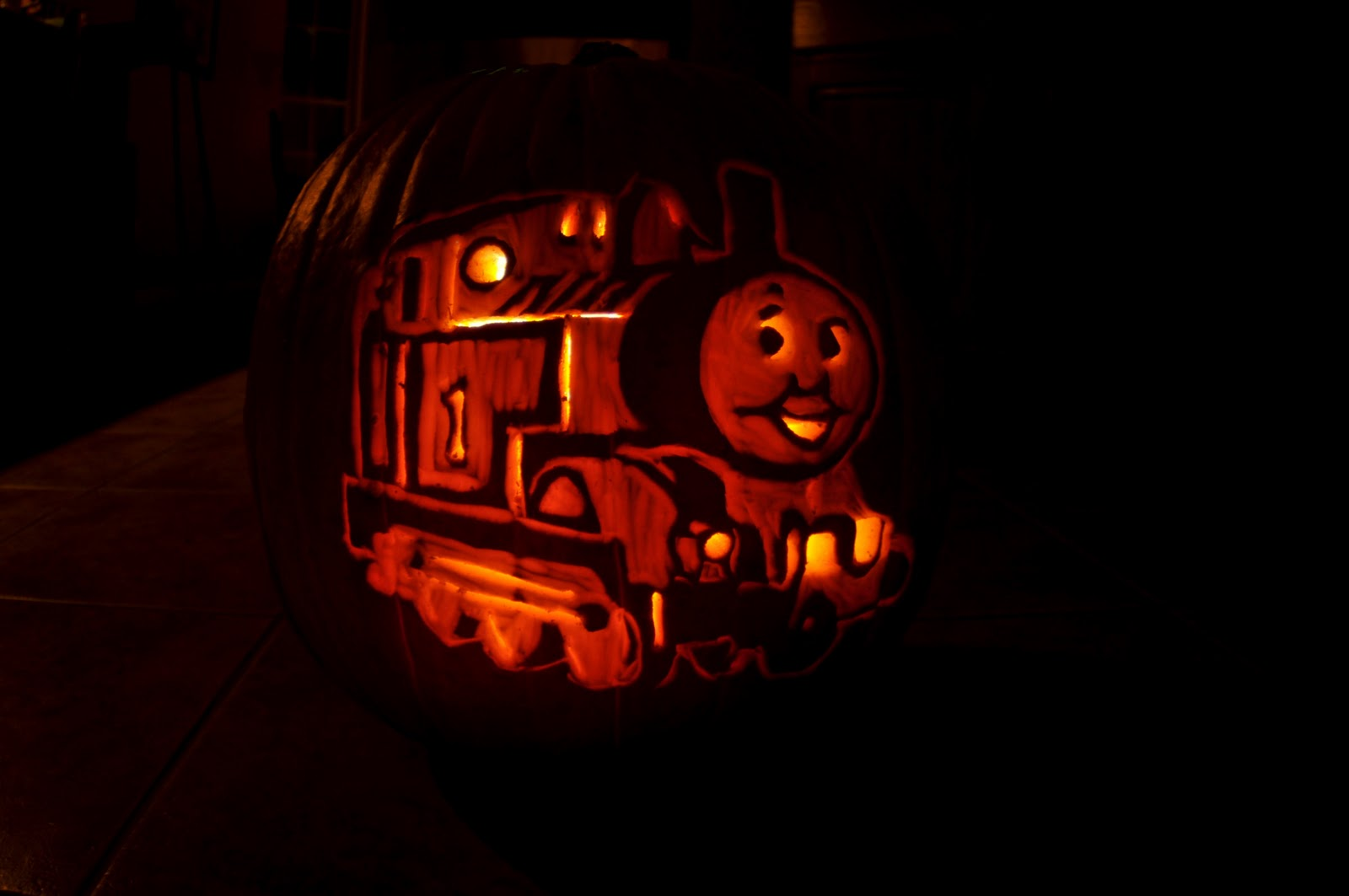 Cool halloween pumpkin 39 jack o 39 lanterns 39 designs for Thomas pumpkin template