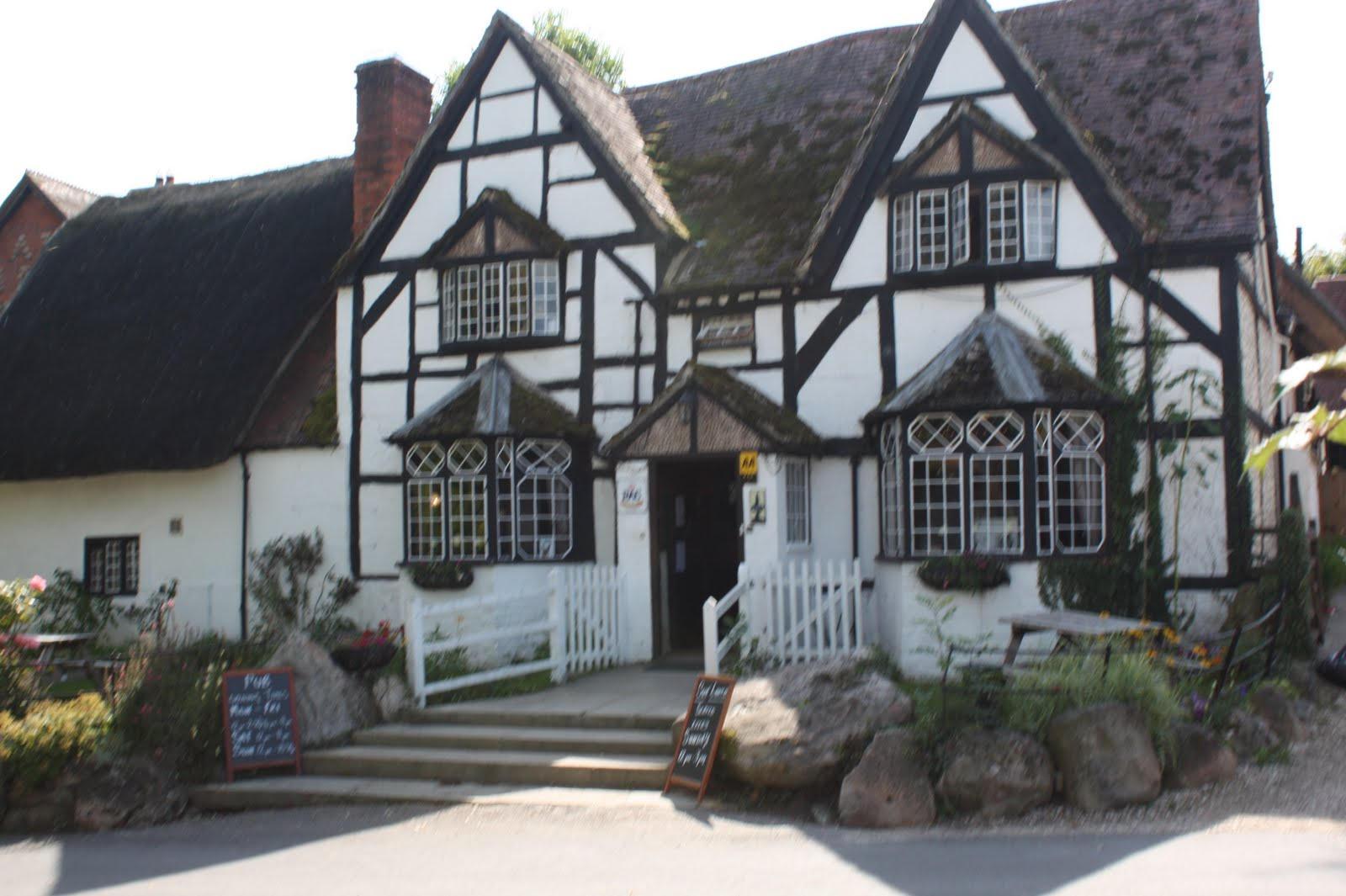 White Horse Inn, Woolstone
