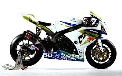 Suzuki Worx Crescent white Superbike