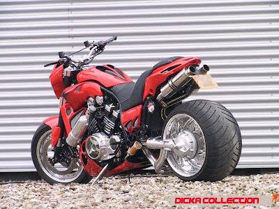 Yamaha V-Max Red ShotGun Techno Bike 4