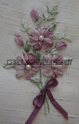 Silk ribbon embroidery detached chain in