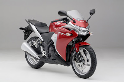 Red Honda CBR 250R