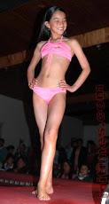 niña de 12 modelando semidesnuda, asi le hacen desfilar los k se escandalizan del sexo consentido