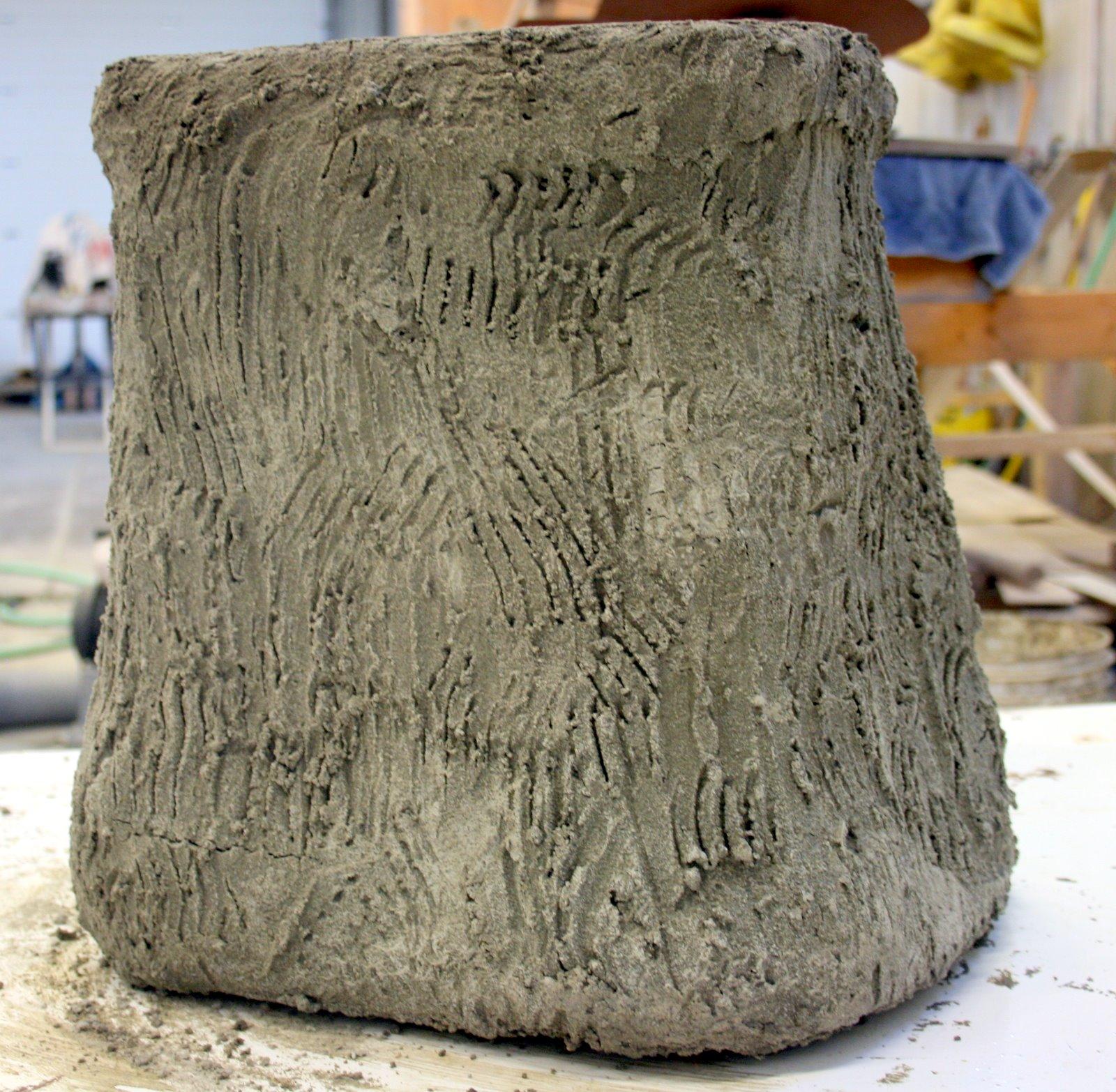 Faux Bois Cement : Faux bois stump first layer of concrete nona hyytinen