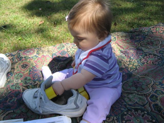 [Daddy's+shoe+works+great.jpg]
