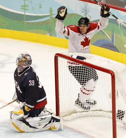 Sidney%2BCrosby%2Bscores%2BGold%2BMedal%