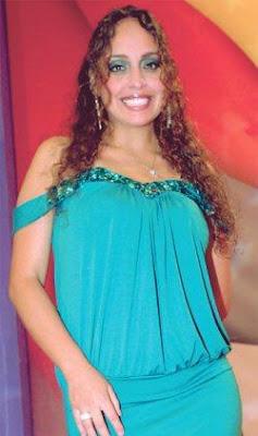 Sara Manrique maquillada de acuerdo a su ropa