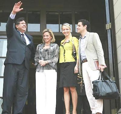 Julia Trappe y y Juan Diego Florez con el ex Presidente peruana Alan García y Pilar Nores