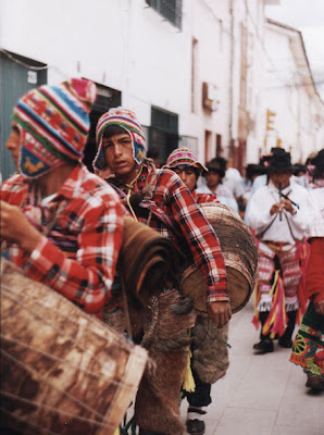 Niños participando del Carnaval de Ayacucho