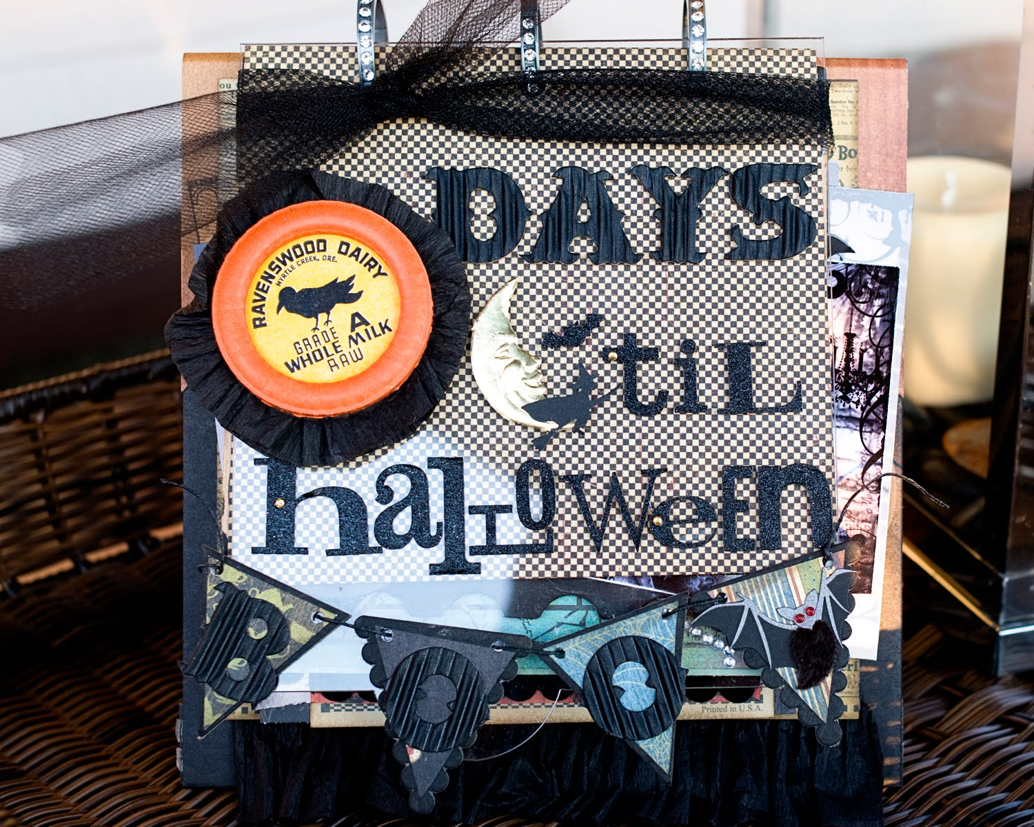 Halloween Mini Scrapbook Album & Halloween countdown calendar