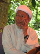 Tuan Guru Dato Nik Abd Aziz.