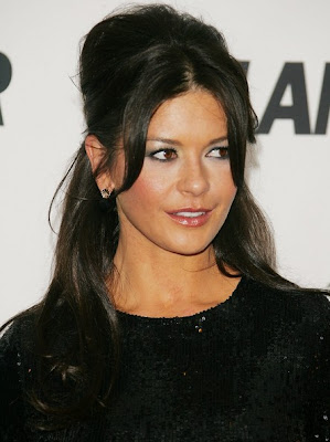 Catherine Zeta Jones Gold Studs