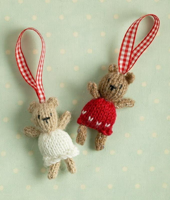 Fililis: Mini calcetines y osos de punto para el árbol