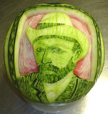 Esculturas em melancias