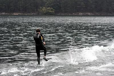 Video como andar sobre a Agua