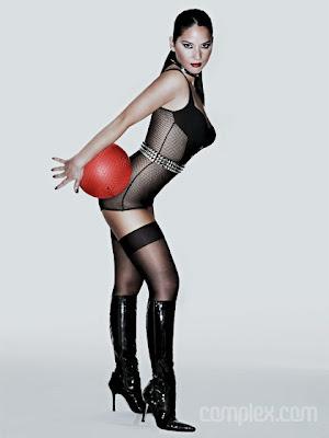 Olivia Munn Does Dodgeball