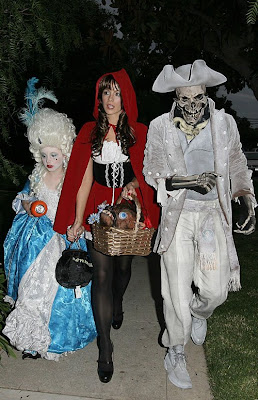 Kate Beckinsale Halloween Outing Pictures