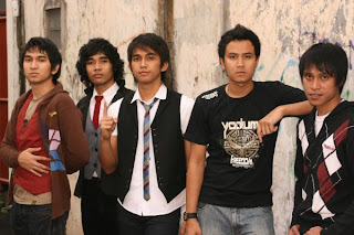 Chord Gitar dan wallpaper foto Lyla Jantung Hati