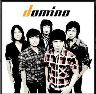 Download MP3 DOMINO Siapa Yang Pantas