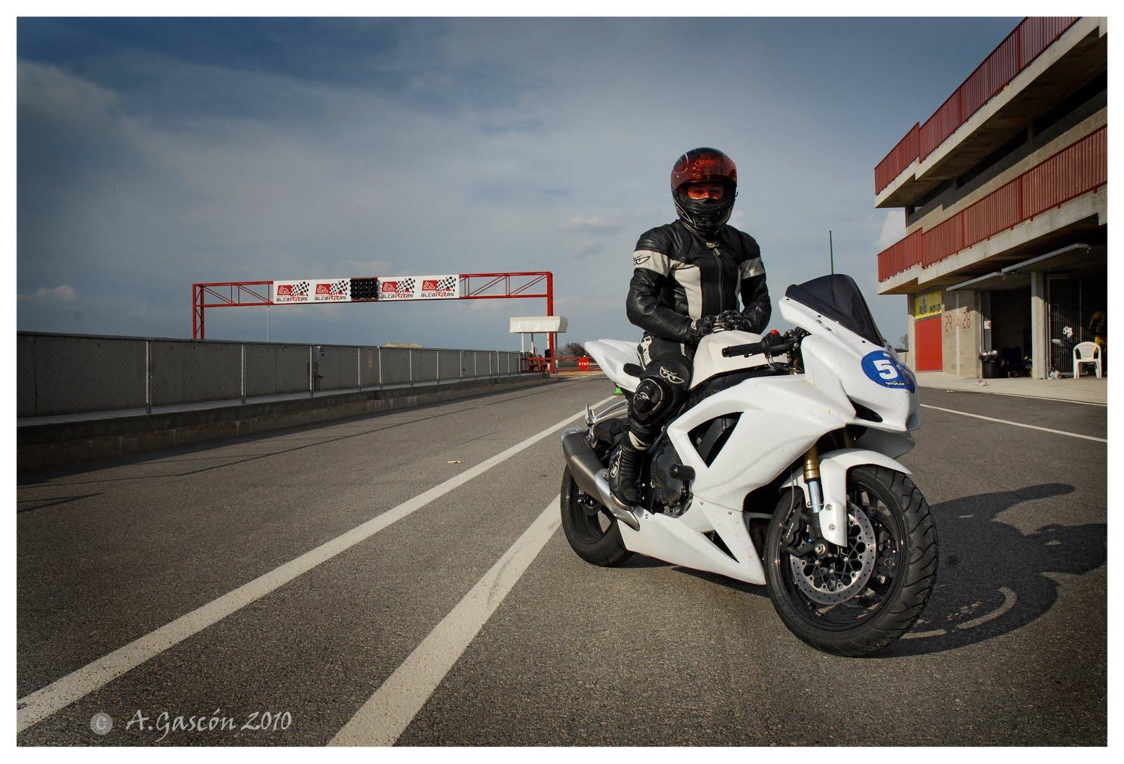 Circuito De Alcarras : Yamaha r circuito de alcarras de abril mi mejor tiempo