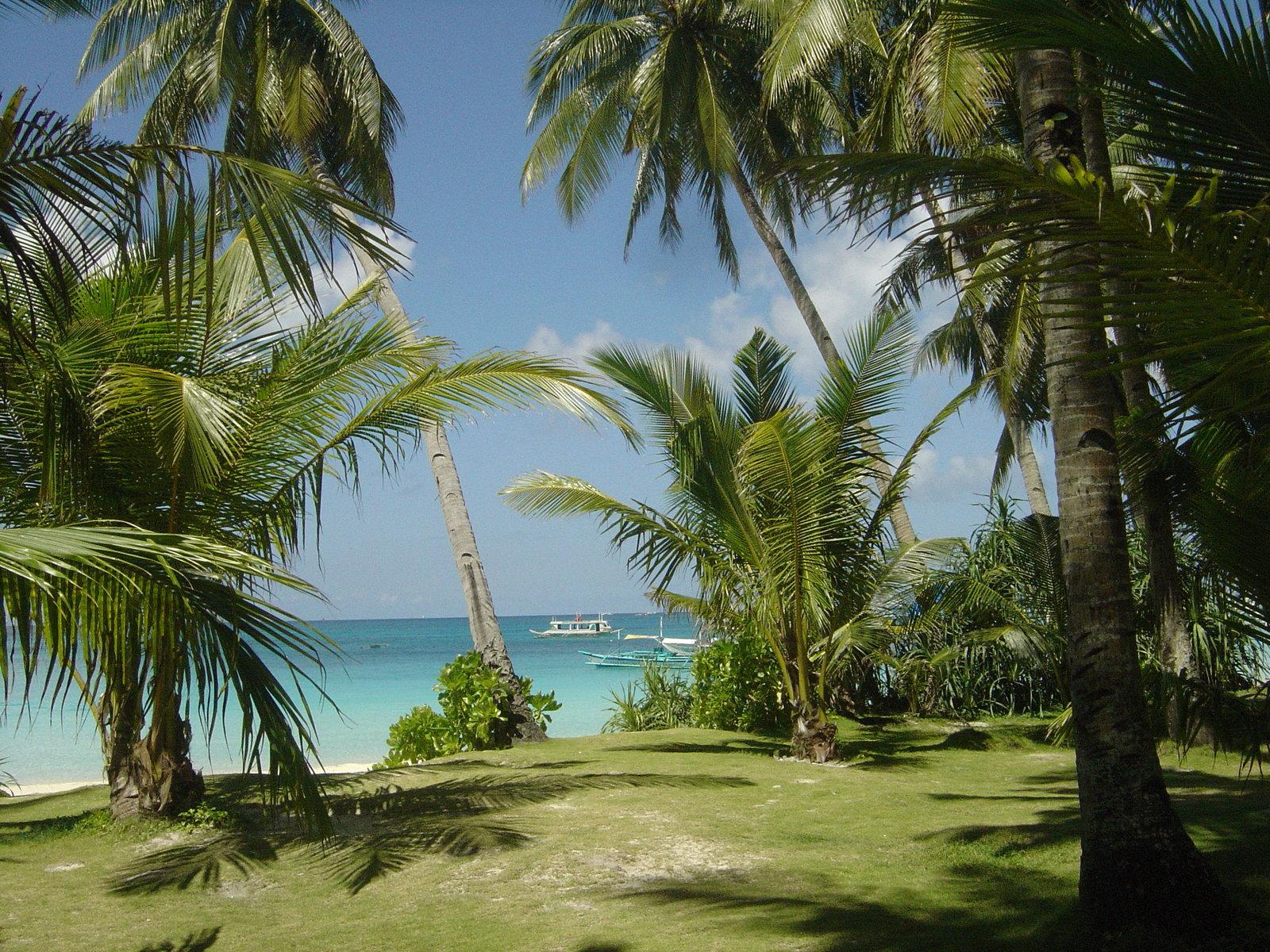 http://3.bp.blogspot.com/_gx7OZdt7Uhs/TNPrHgs8QVI/AAAAAAAAFBA/g_WcKLPD_yo/s1600/beaches_philippines%20computer%20Wallpaper.jpg