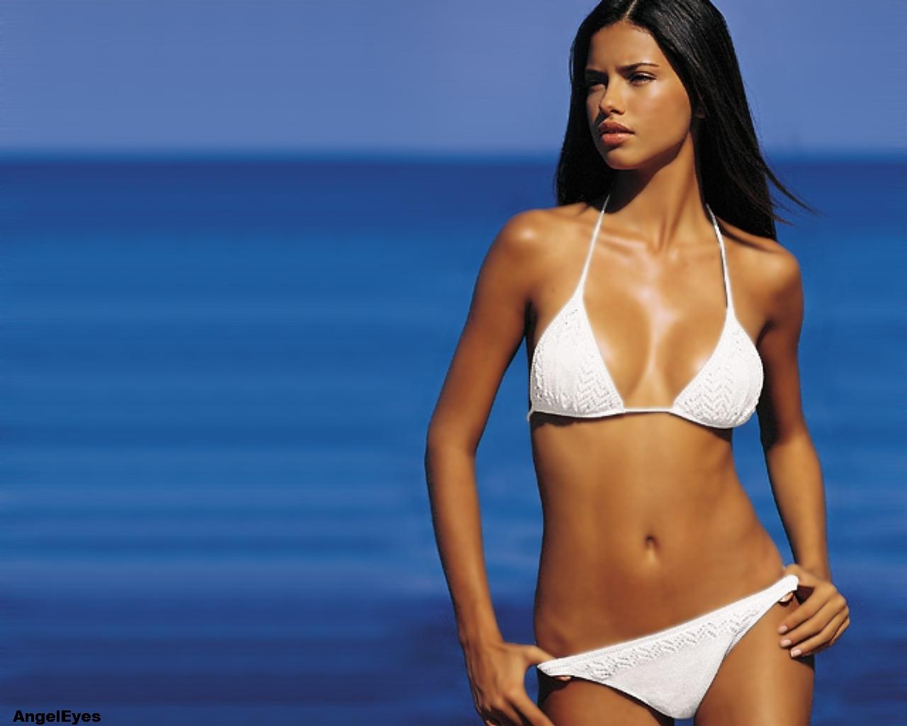 Hot Bikini Girls pictures