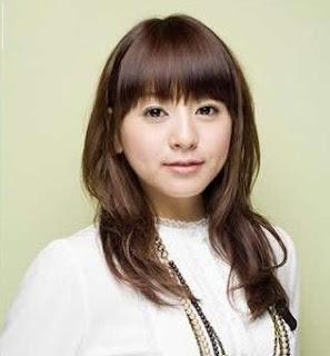 Model Rambut Terbaru 2012 Wanita