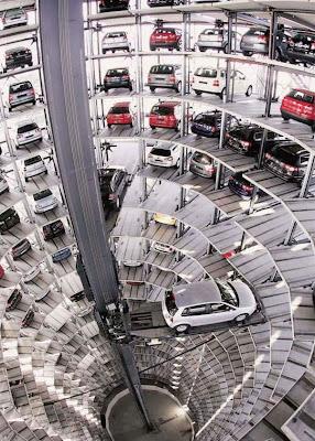Tempat Parkir Mobil Masa Depan