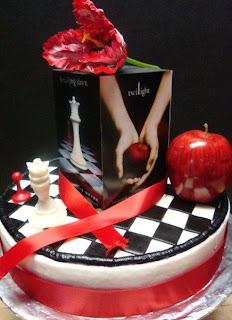 http://3.bp.blogspot.com/_h-_iTv4GnEY/SitpyKeVwAI/AAAAAAAAAvI/TGty-hmPBtk/s320/Aimee__Twilight_cake_011.JPG