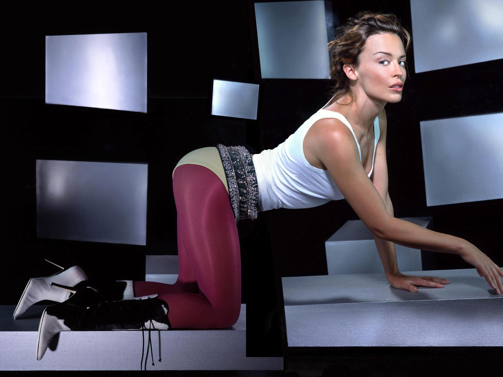 http://3.bp.blogspot.com/_h0JK8nyOgTA/TLhls9ZtNRI/AAAAAAAAHF0/DQzpKz7Mtgw/s1600/Kylie_Minogue_-_Pop_star.jpg