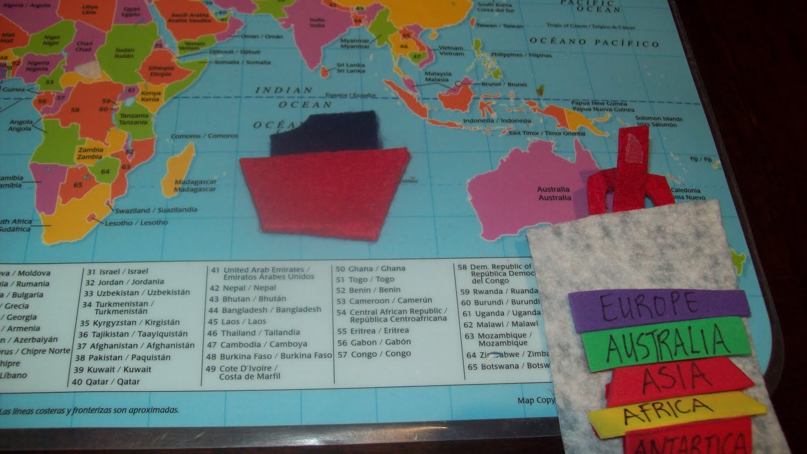 A mom not a professional nor a perfectionist diy interactive the diva travel bag opens up and is loaded with labels made from foam of the 7 continents that are also velcroed so they can label the continents as they gumiabroncs Image collections