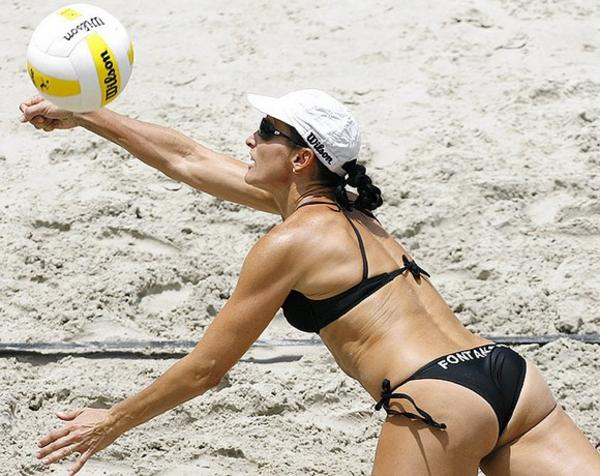 [sexy_beach_volleyball_5.jpg]