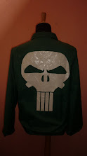 PUNISHER MARVEL COMICS 1993 SIZE L (BLOODY RARE)