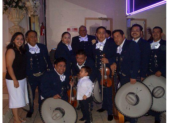 [mariachi+4]