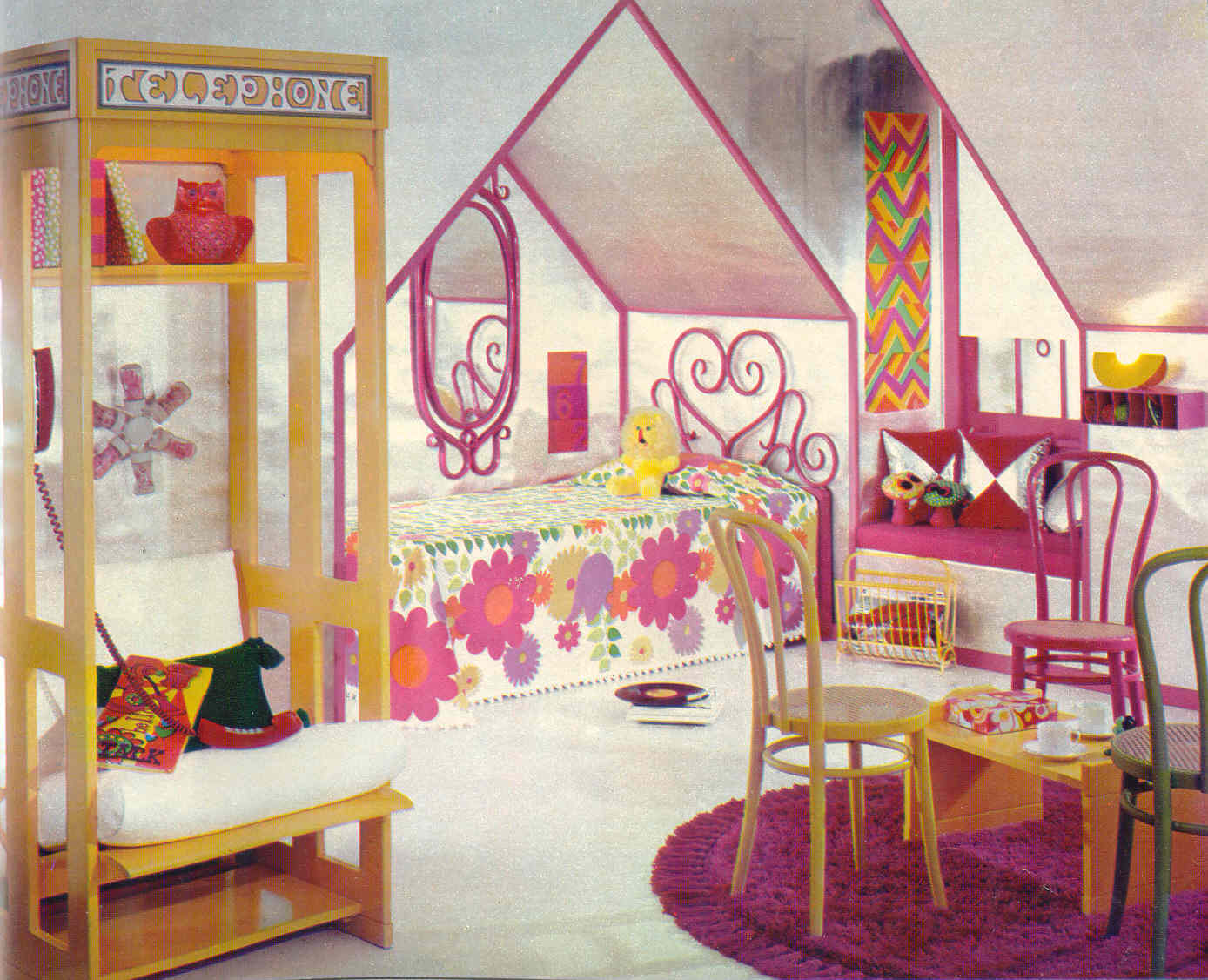 Gold country girls bright and colorful 70 39 s bedrooms - Bright house bedroom furniture ...