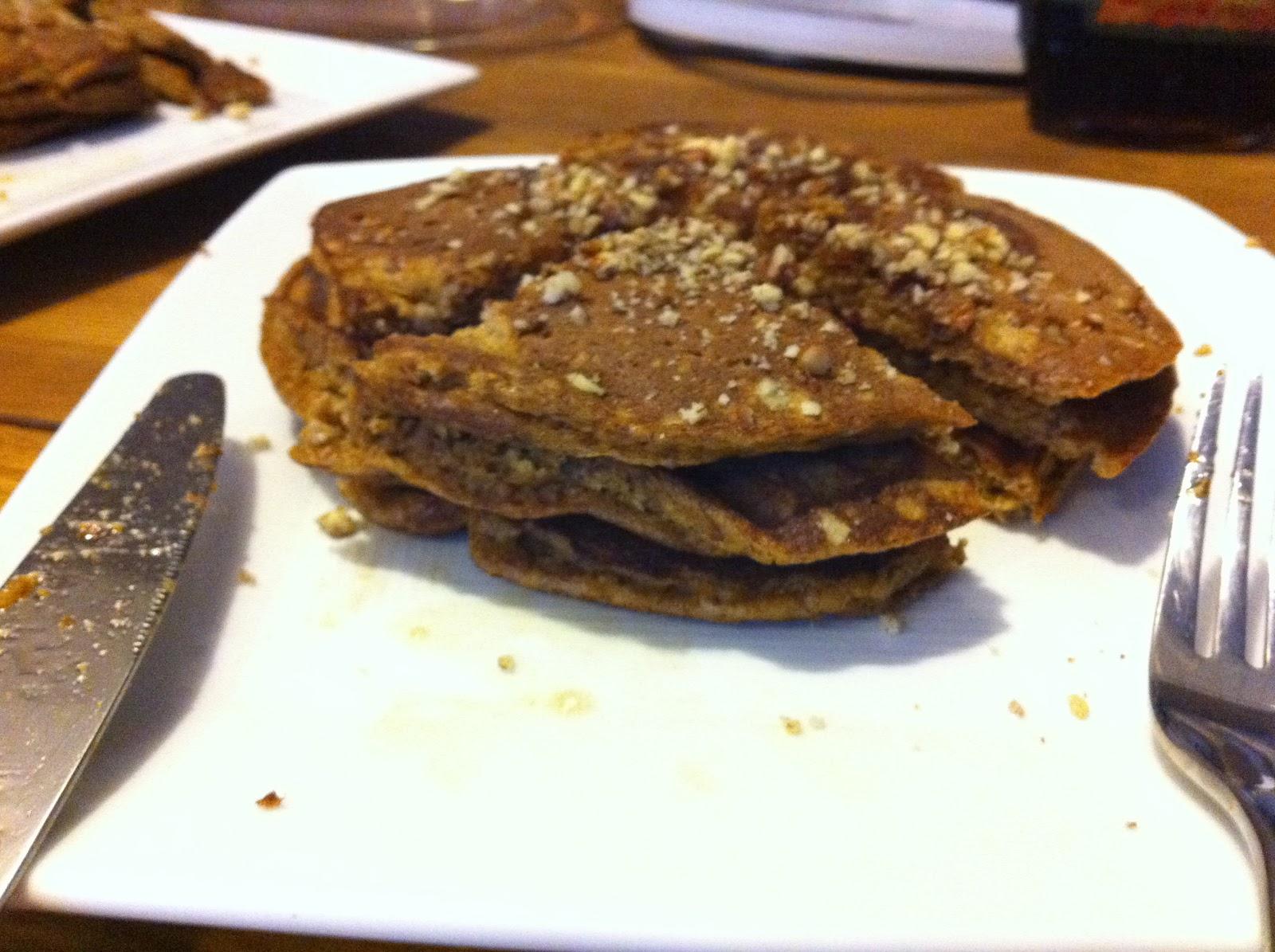 scrawnyWOD: Paleo Pecan Pumpkin Pancakes