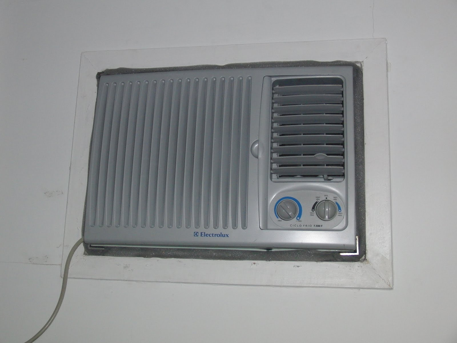 #51595E MUDOU DE ENDEREÇO!!!: Instalação do ar condicionado 4212 Instalar Ar Condicionado Janela Apartamento