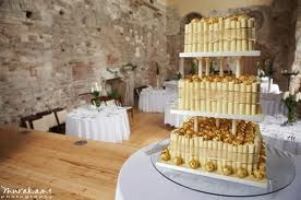 castle vanilla wedding cake pict